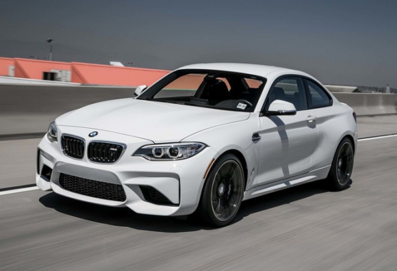 2017-BMW-M2-front-three-quarter-turn.jpg