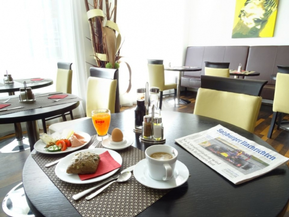 Best Western Plus Amedia Art Hotel**** - restaurace