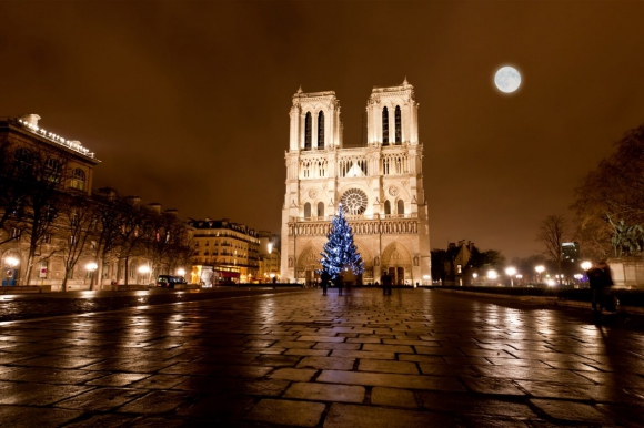 The-famous-Notre-Dame-at-night-in-Paris-1-1170x780.jpg