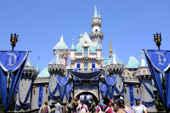 How-to-Make-the-Most-of-Your-Disneyland-Getaway-ca8cf39005b04f2ea8e0318b3ad20585.jpg